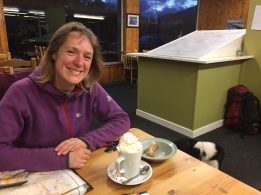 Hot choc for Viv and a sausage for Leelu!